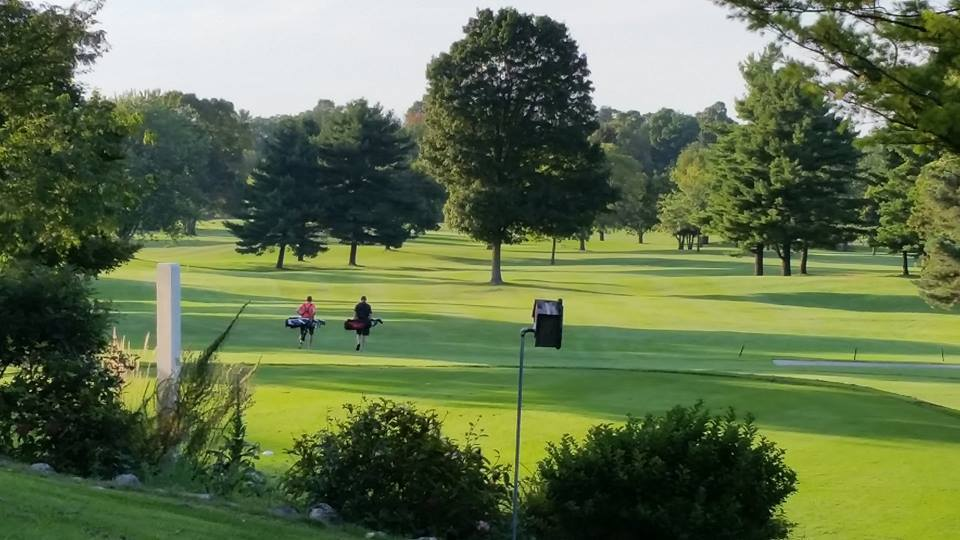 Quit Qui Oc Golf Course and Restaurant Golfing With a Friend